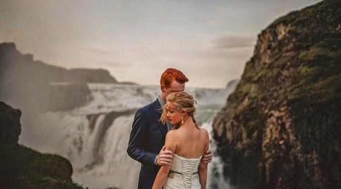 Eksotisnya Foto Pernikahan Berlatar Alam Islandia