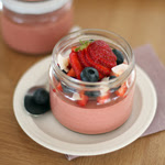 Braškinis jogurtas su kokoso aliejumi