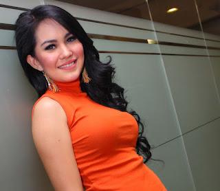 Foto Hot Kartika Putri Bugil, memek kartika putri