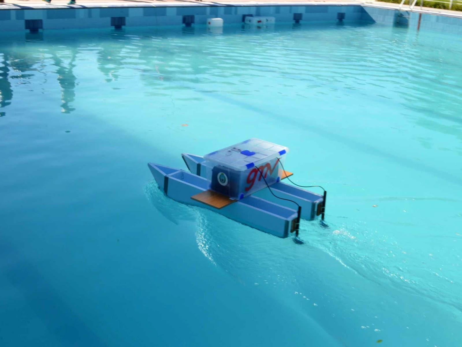 Pruebas de rob tica submarina en la piscina municipal de villaca as toledo news - Piscina municipal toledo ...