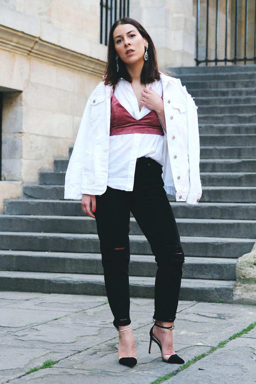 veste-denim-blanche-brassière-talons-printemps-look-le D.A.P