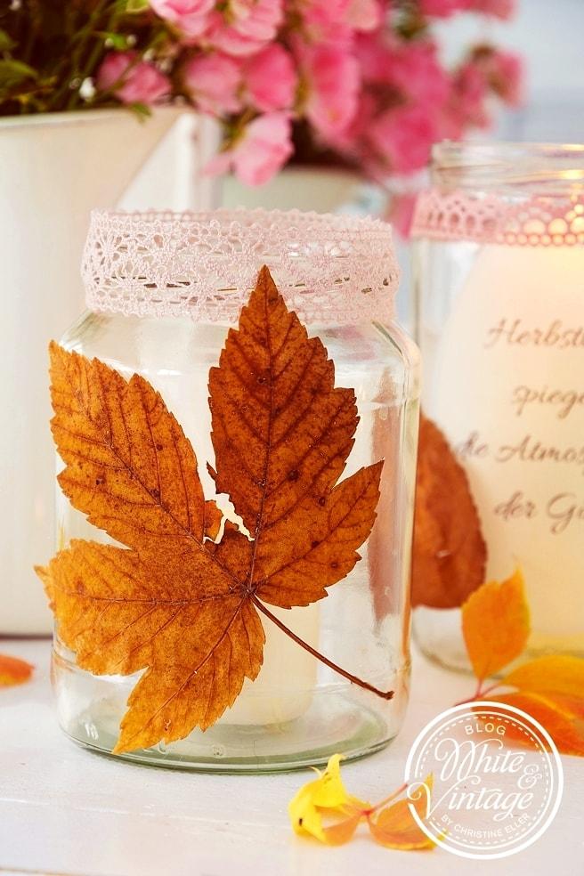 DIY Windlichter mit Herbstblättern basteln