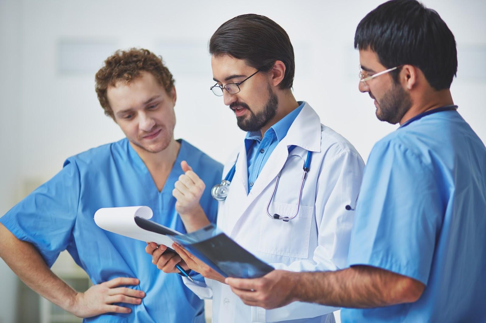 Dlaczego lekarze nie przepadają za mediami