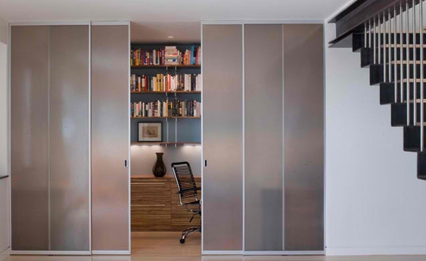 Pintu rumah minimalis dari kaca