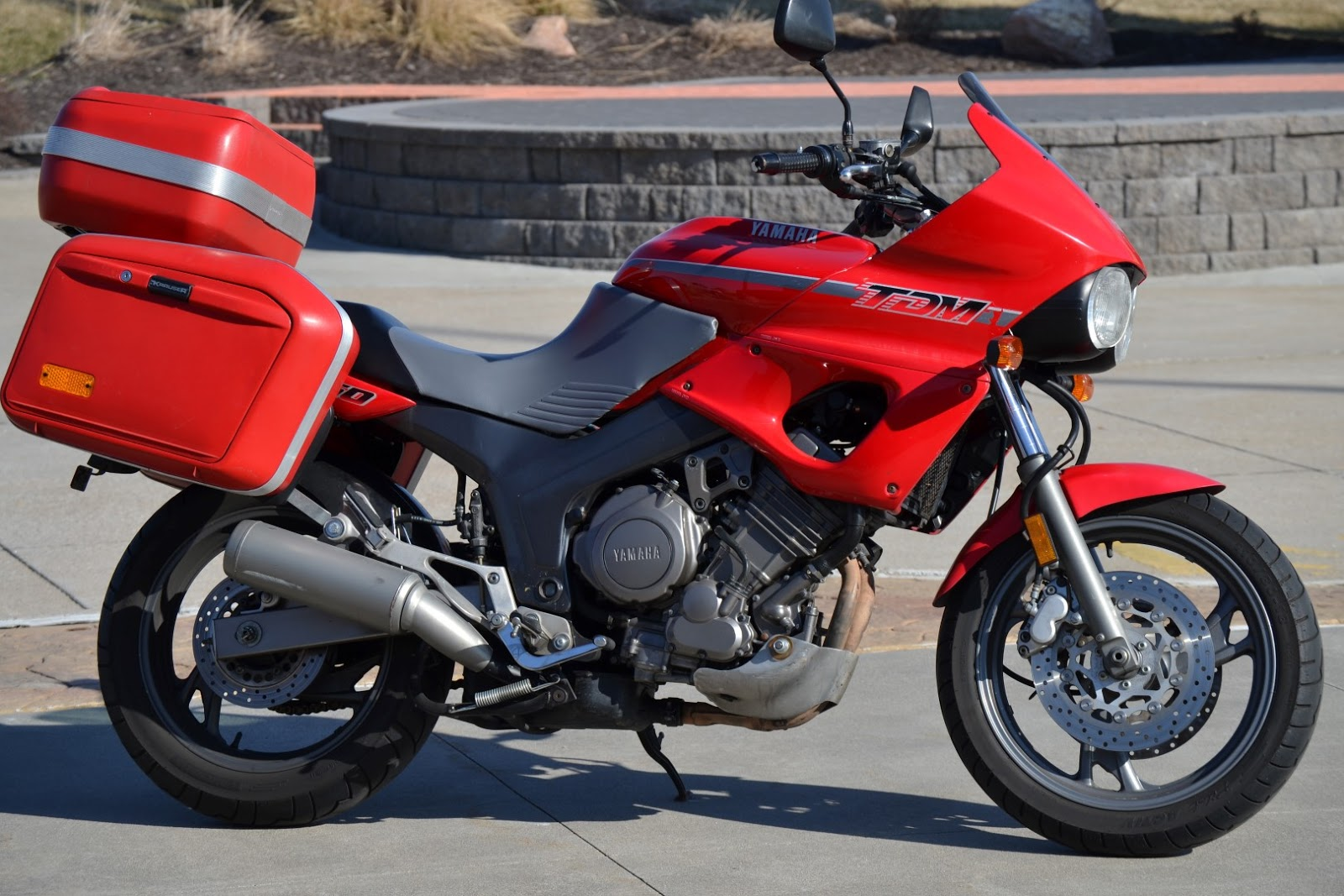 blog of the biker 1992 yamaha tdm 850 adventure motorcycle red with krauser panniers. Black Bedroom Furniture Sets. Home Design Ideas