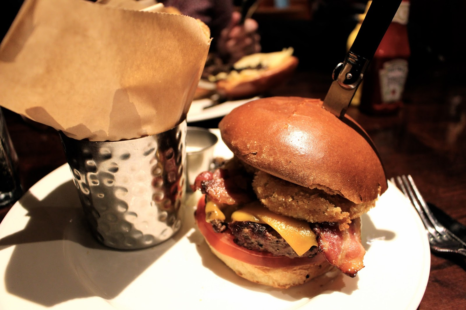 hard rock cafe edinburgh original burger
