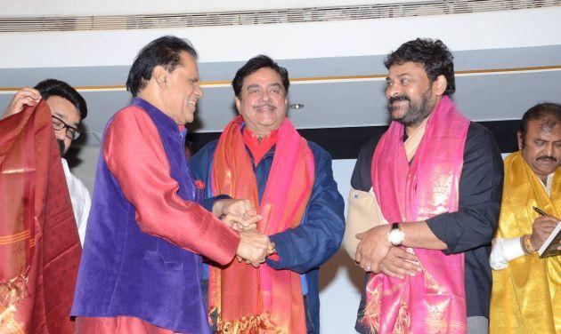 Shatrugan Sinha being facilitated by Subbirami Reddy. Megastar Chiranjeevi looks on. When Legends Meet, Social Media goes Berserk. Chiranjeevi and Mohan Lal.