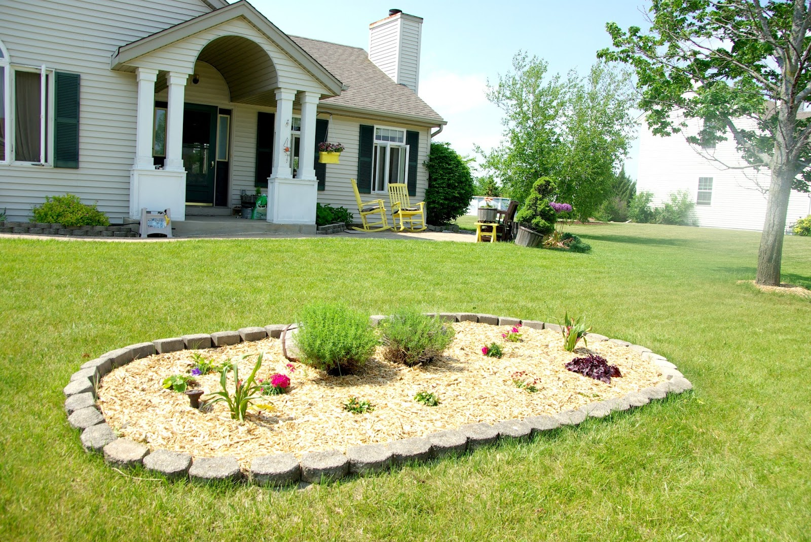 Updating front yard planter • Our House Now a Home