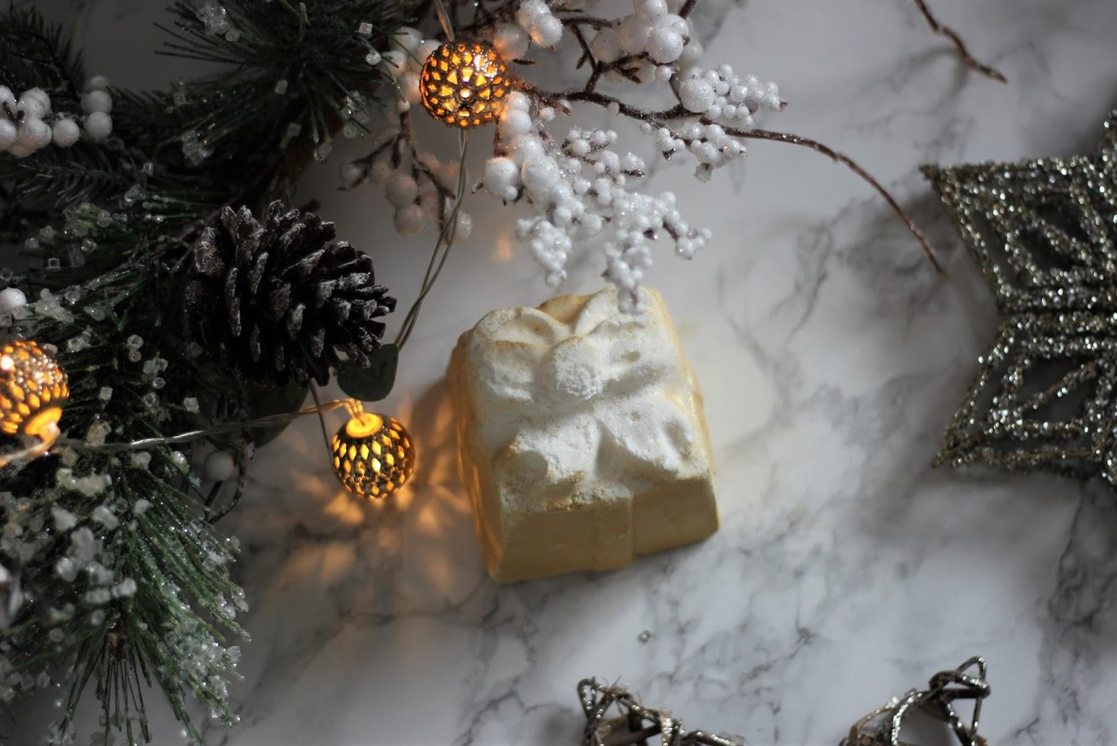A-Lush-Christmas-Bath