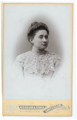 Elisabeth van Gelderen, ca. 1910