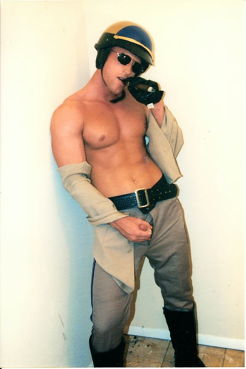 Pics of gay cops in underwear xxx he had a 5