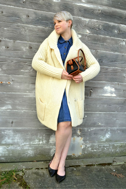 street style, designer, miu miu, denim dress, short hair, vintage, fashion