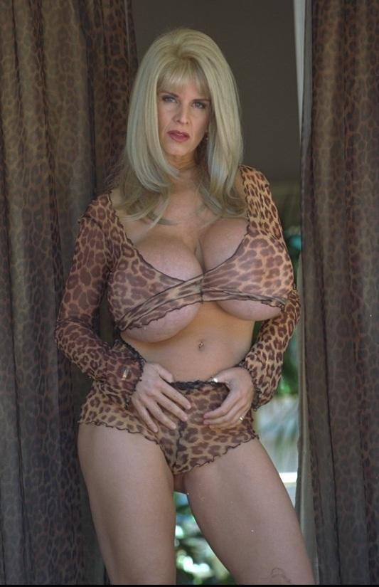 Naked alexis dziena porn clips