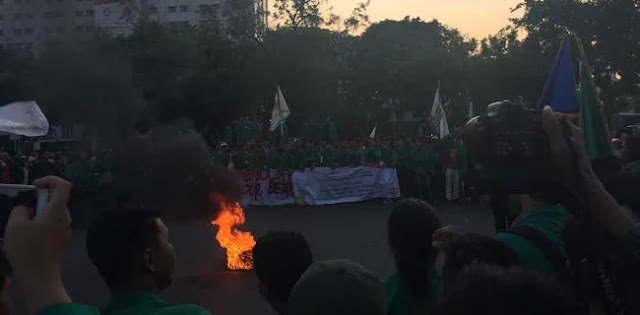Mahasiswa: Sejak Jokowi Berkuasa Ekonomi Terpuruk!