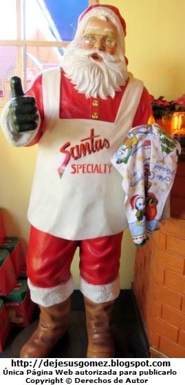 Papa Noel o Santa Claus que estaba dentro de la Fábrica de Panetones. Foto de Papa Noel tomada por Jesus Gómez