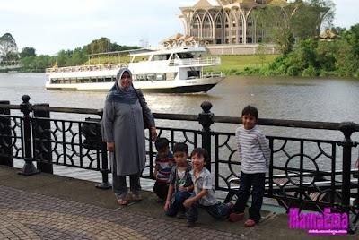 waterfront di sarawak