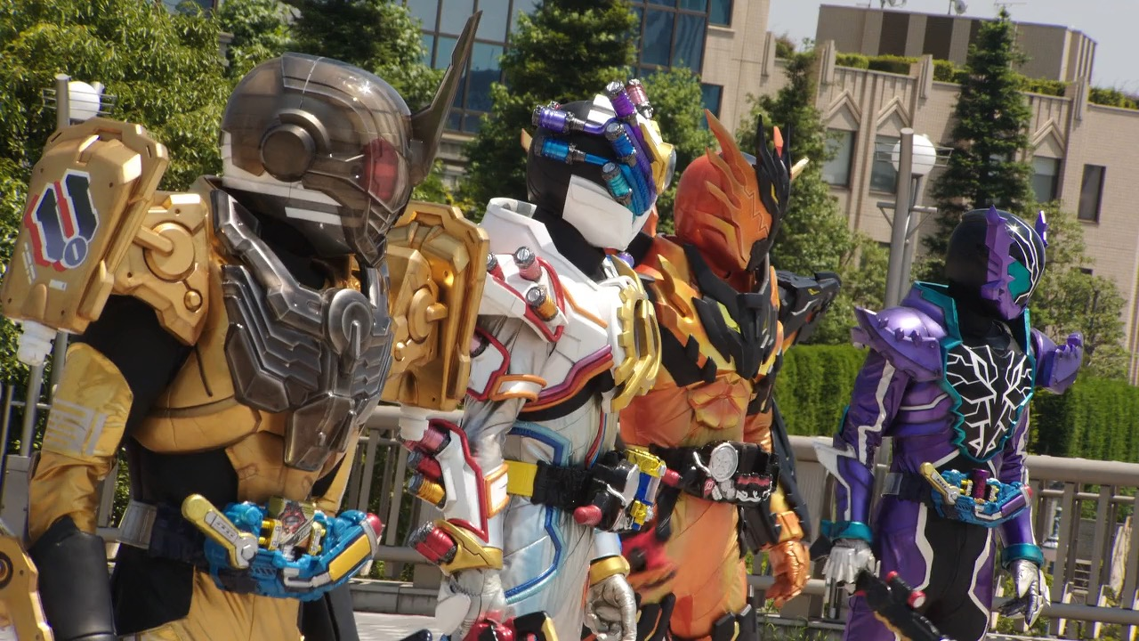 My Shiny Toy Robots Series Review Kamen Rider Build