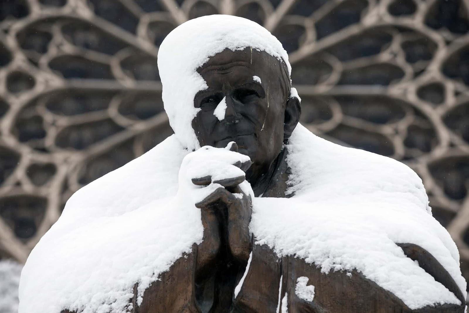 Сніг у Парижі - фоторепортаж