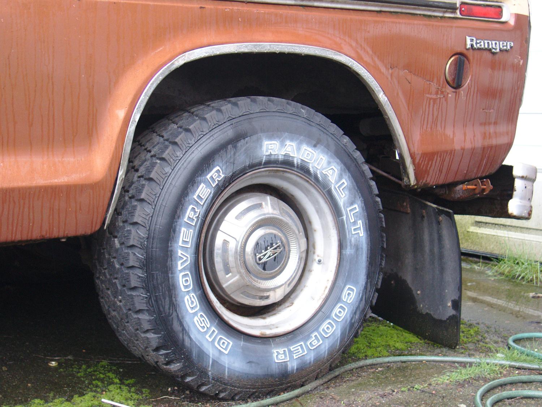 Old Parked Cars Vancouver 1979 Chevrolet Corvette 1973 Ford 1970 Ranger Camper Special Super 1
