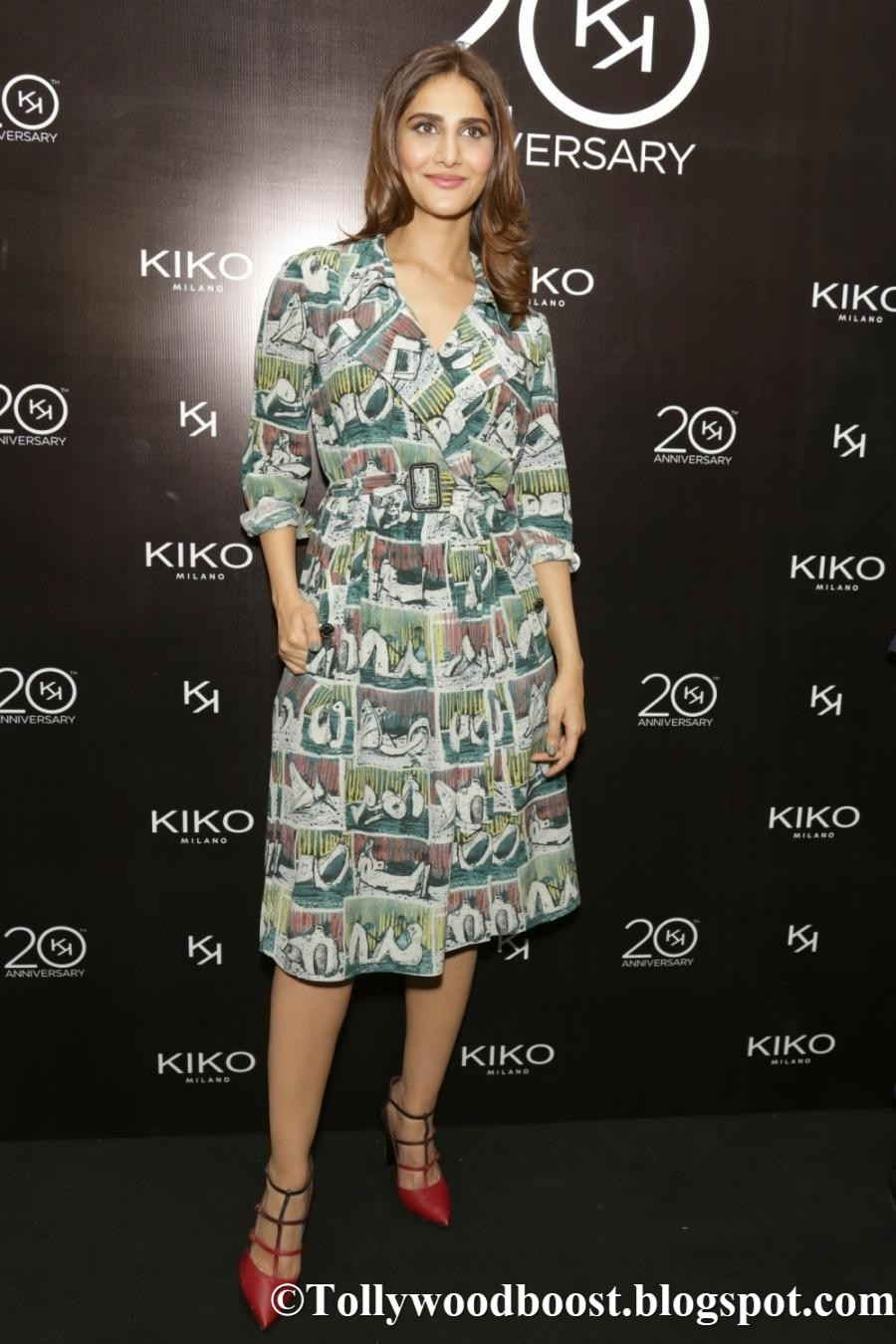 Actress Vaani Kapoor Legs Show Images In Green Dress