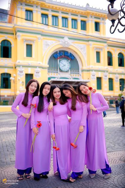 chụp ảnh kỷ yếu theo nhóm tại Sài Gòn