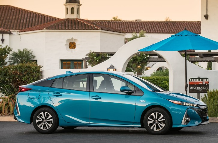 2017 toyota prius prime redesign toyota overview. Black Bedroom Furniture Sets. Home Design Ideas
