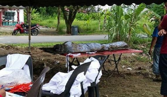 (3 Gambar) Jenazah Masih Elok Dalam Balutan Kapan Ditemui, Dipercayai Sudah 2 Tahun Dikebumikan