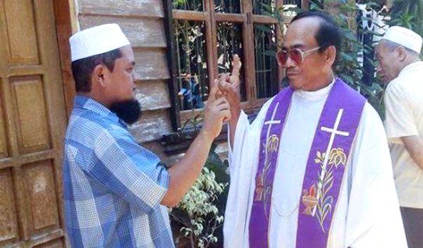 Father Mendoza, Pemimpin Besar Katolik Masuk Islam