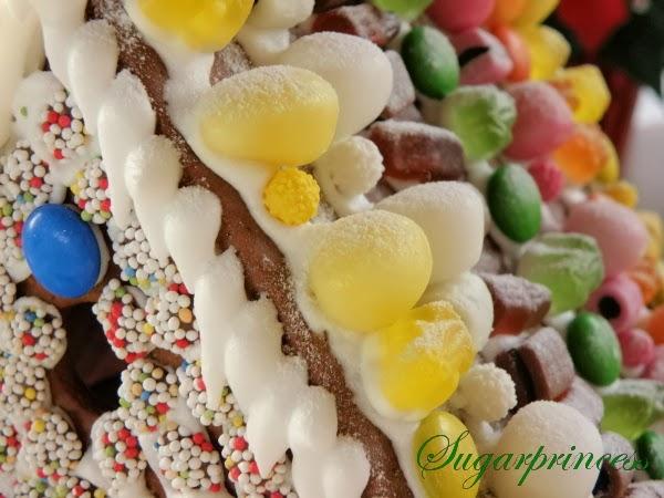 Lebkuchenhaus selber backen - Zuckerhaus selber machen