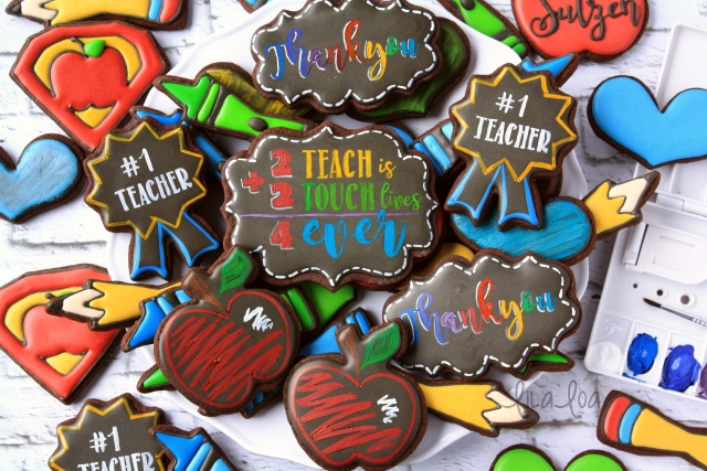 How to Make COLORED Chalkboard Cookies!