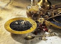Çörek tohumu, yağı, kuru bitki ve kapsülleri