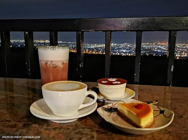 IMG 20181215 211216 - 岳家莊夜景咖啡廳,超隱密遼闊夜景盡收眼底,還有多款桌遊讓你們玩到嗨!
