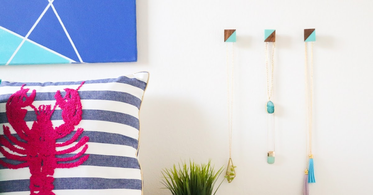 A Kailo Chic Life Repurpose It Door Knobs To Wall Hooks