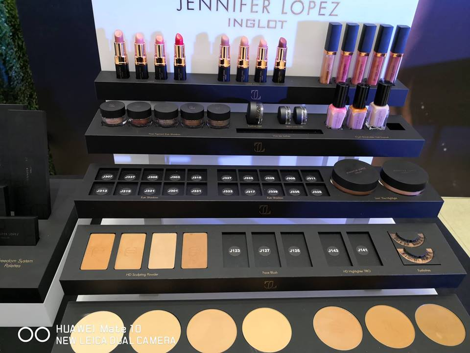 1b171eae426 But when I tried Inglot, it softens and never cracks at the end of the day.  So, 5 thumbs for that. I learned later that they are paraben-free,  cruelty-free, ...