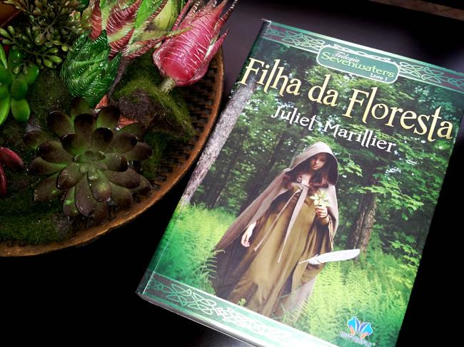 Resenha livro Filha da Floresta