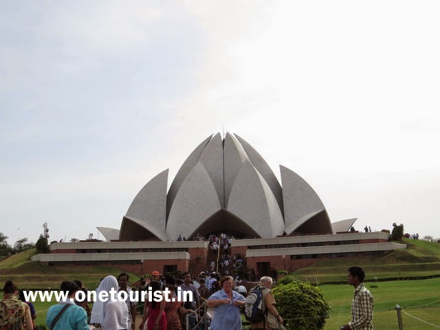 lotus temple , lotus temple image , lotus temple pictures , lotus temple story , lotus temple history in hindi , l