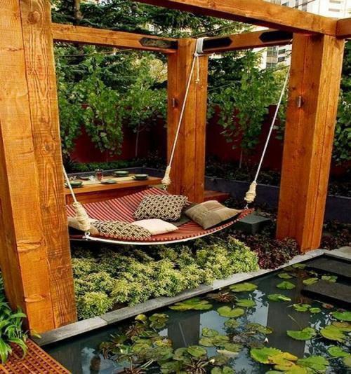 "Berehat seketika sambil menikmati keindahan alam dapat menyegarkan jasad dan minda. ""Refresh"" minda anda, rehat seketika"