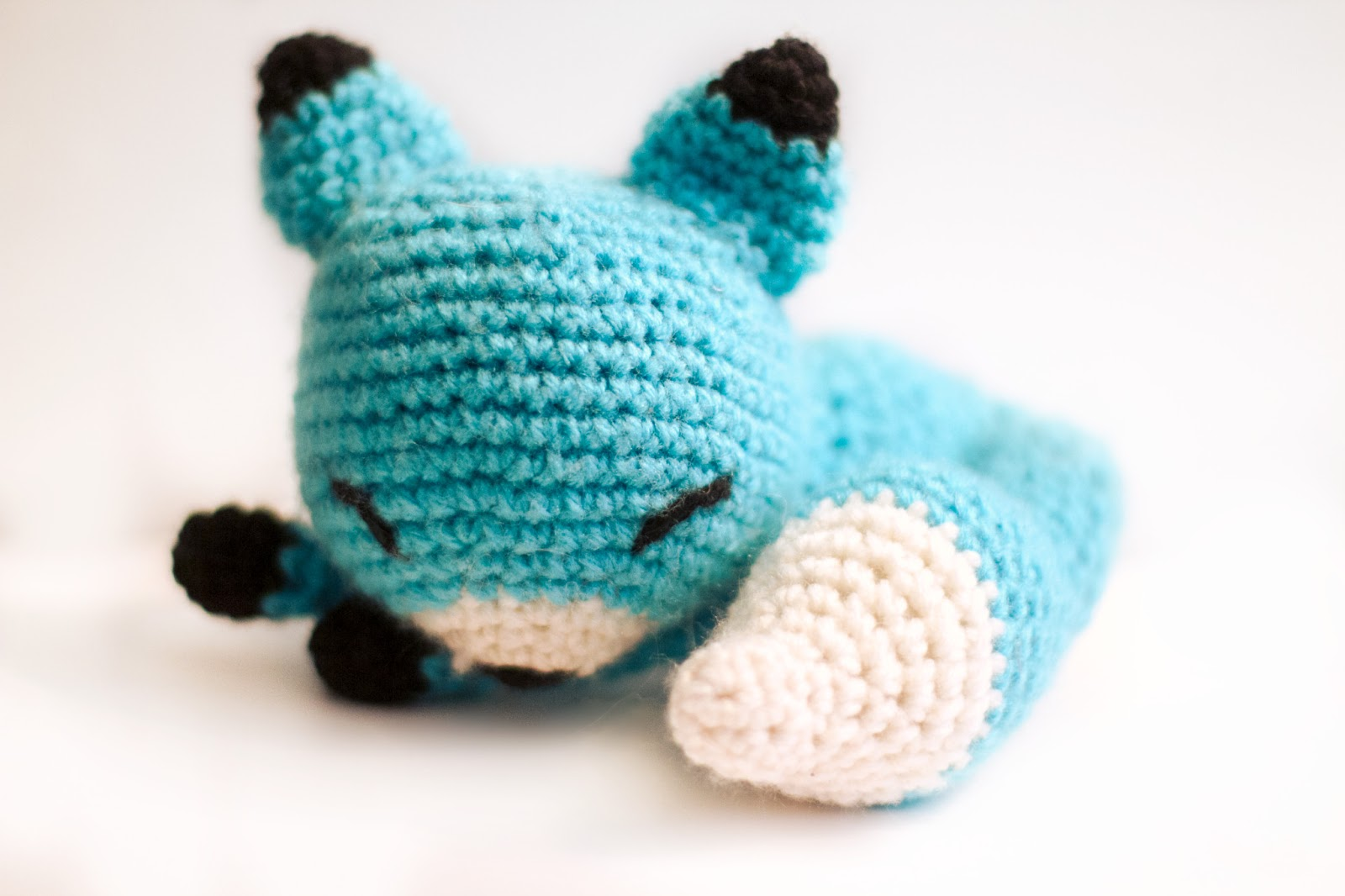 Tiny fox amigurumi pattern - Amigurumi Today | 1066x1600