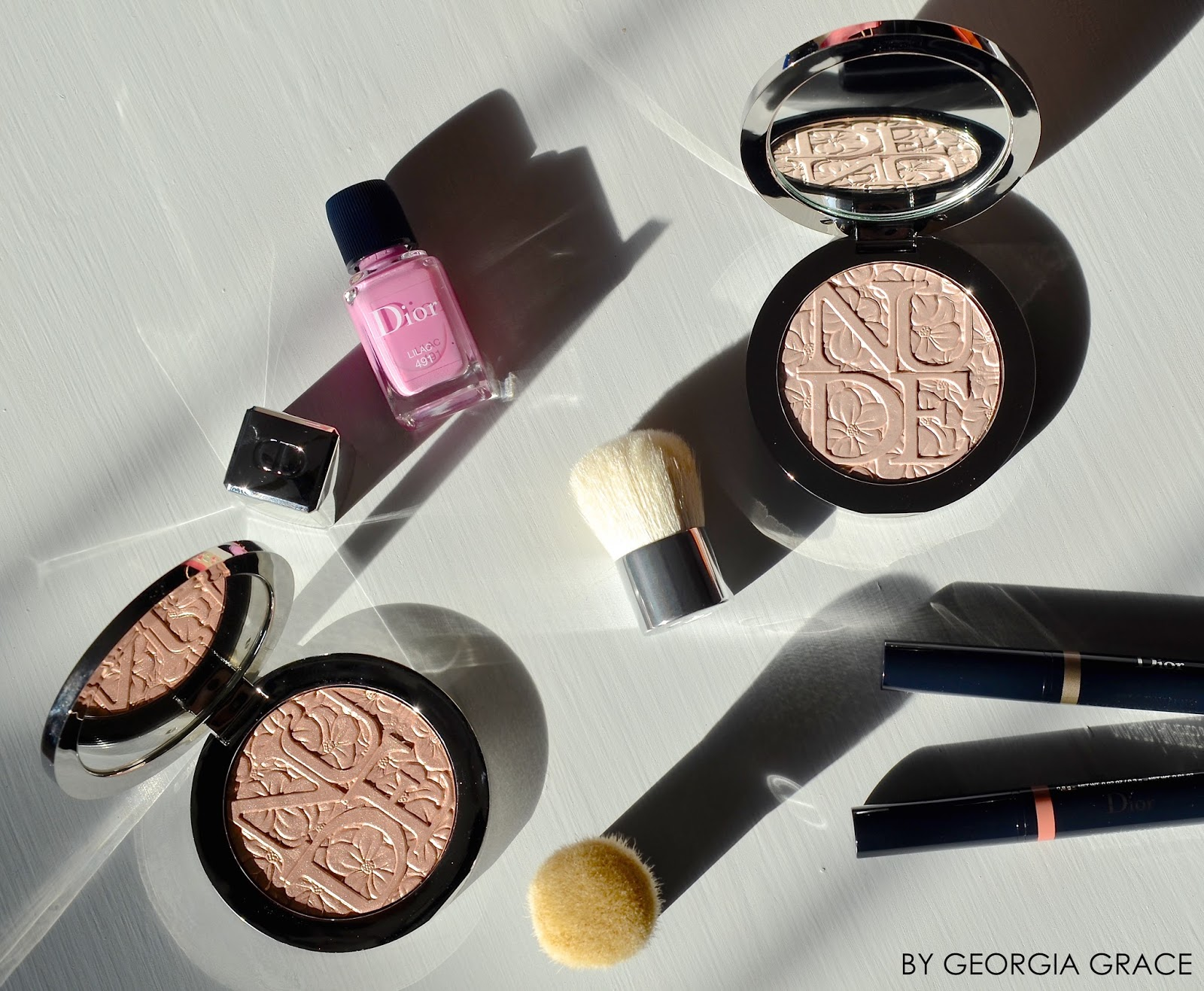Dior Spring 2016 Makeup Swatches & Review Glowing Gardens Highlighter Illuminator Illuminating Powder Glowing Nude Pink