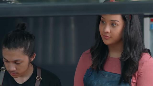 Asih diperankan Anya Geraldine di Yowis Ben 2
