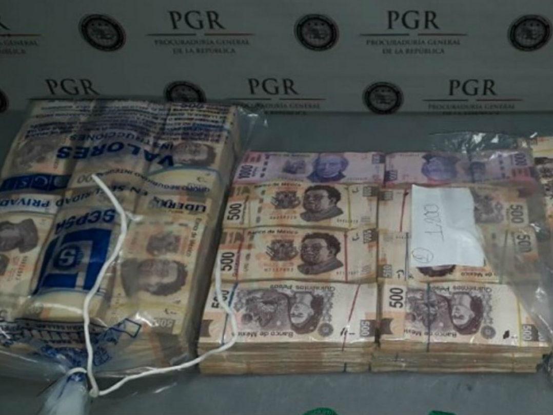 Detienen a dos hombres por llevar 3.6 mdp ocultos en su equipaje y cuerpo en el aeropuerto de Monterrey