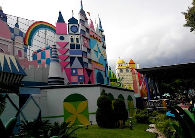 Istana Boneka salah satu wahana di Dufan Ancol