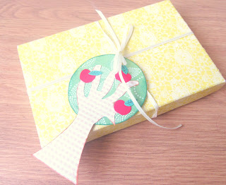handmade apple tree gift tag