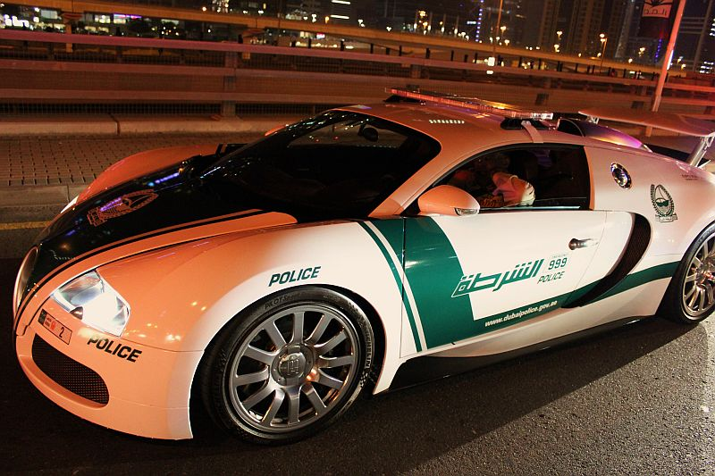 its new world 10 insane supercars in the dubai police. Black Bedroom Furniture Sets. Home Design Ideas