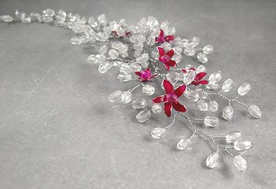 Ślubna gałązka - kwitnąca wiśnia.