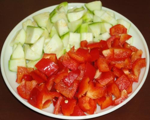 chopped capsicums and zucchini