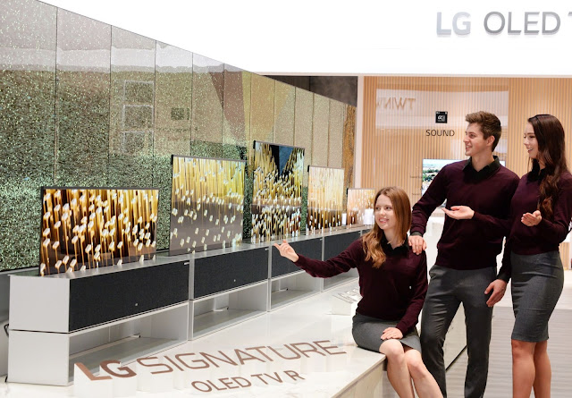 LG Unveils The World's First Rollable OLED TV at CES 2019.