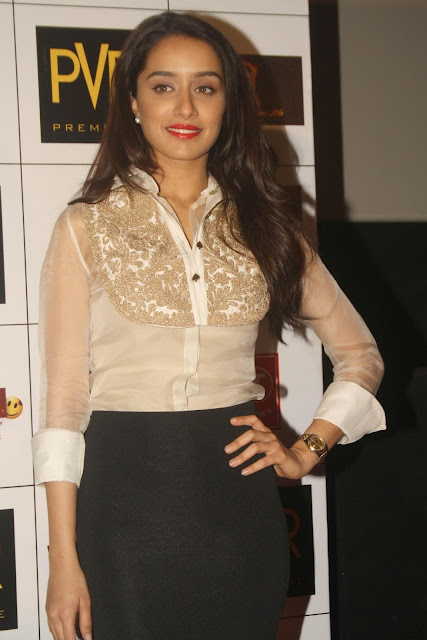 Shraddha Kapoor sexy look at fashion show