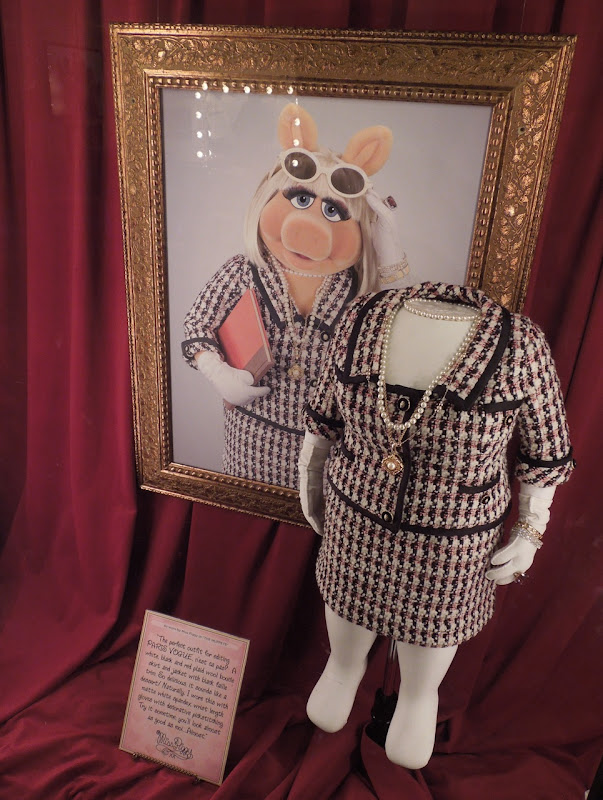 Miss Piggy Paris Vogue movie costume Muppets