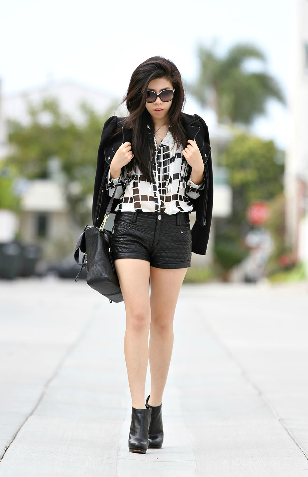 Adrienne Nguyen_Simple black and white outfit ideas
